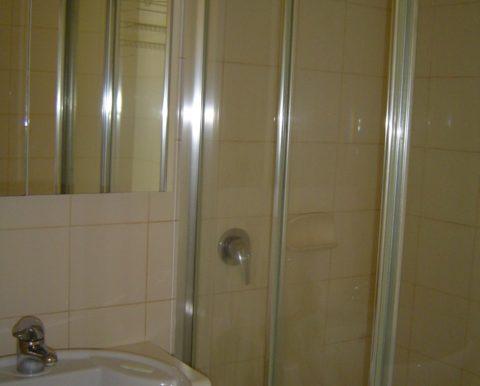 304_445 Royal Pde bath